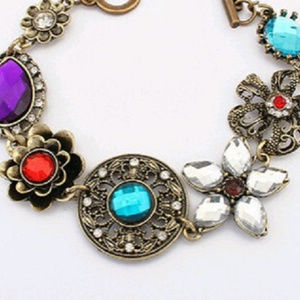 NEW Antique Look Crystal Flower Bracelet Bronze